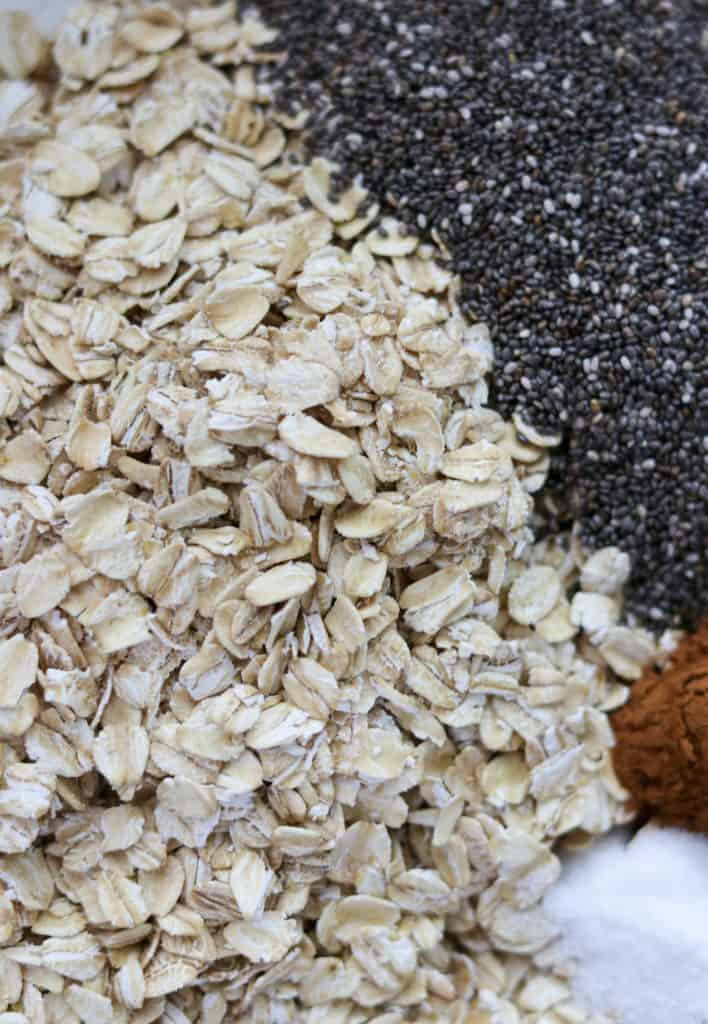 Oats, chia seeds and spices