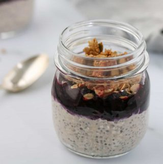 Overnight Oats with Skyr and Blueberry Cardamom Compote